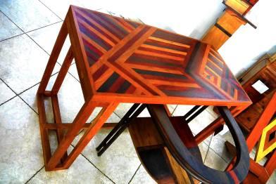 table bureau marqueterie marie-louise de bois précieux dim : p60 x h 78 x l120