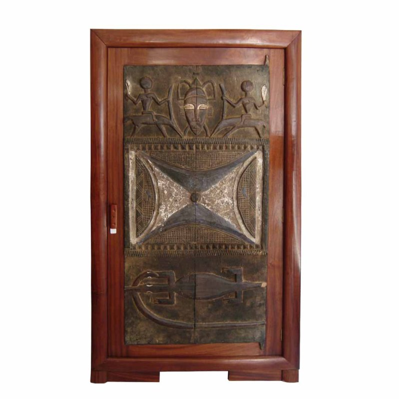 armoire f