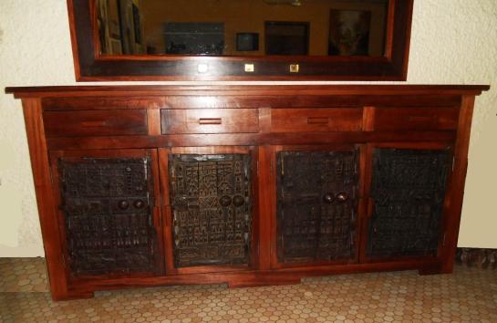 buffet dogon en bois sapéli teinté 4 portes et 4 tiroirs l 240 x h 110 x p 55