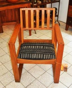 fauteuil bogo en dimb, tissu bogolan