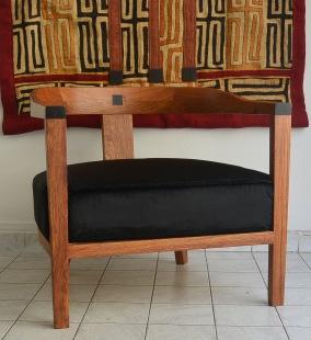 fauteuil 1945 en bois de veine et ébène