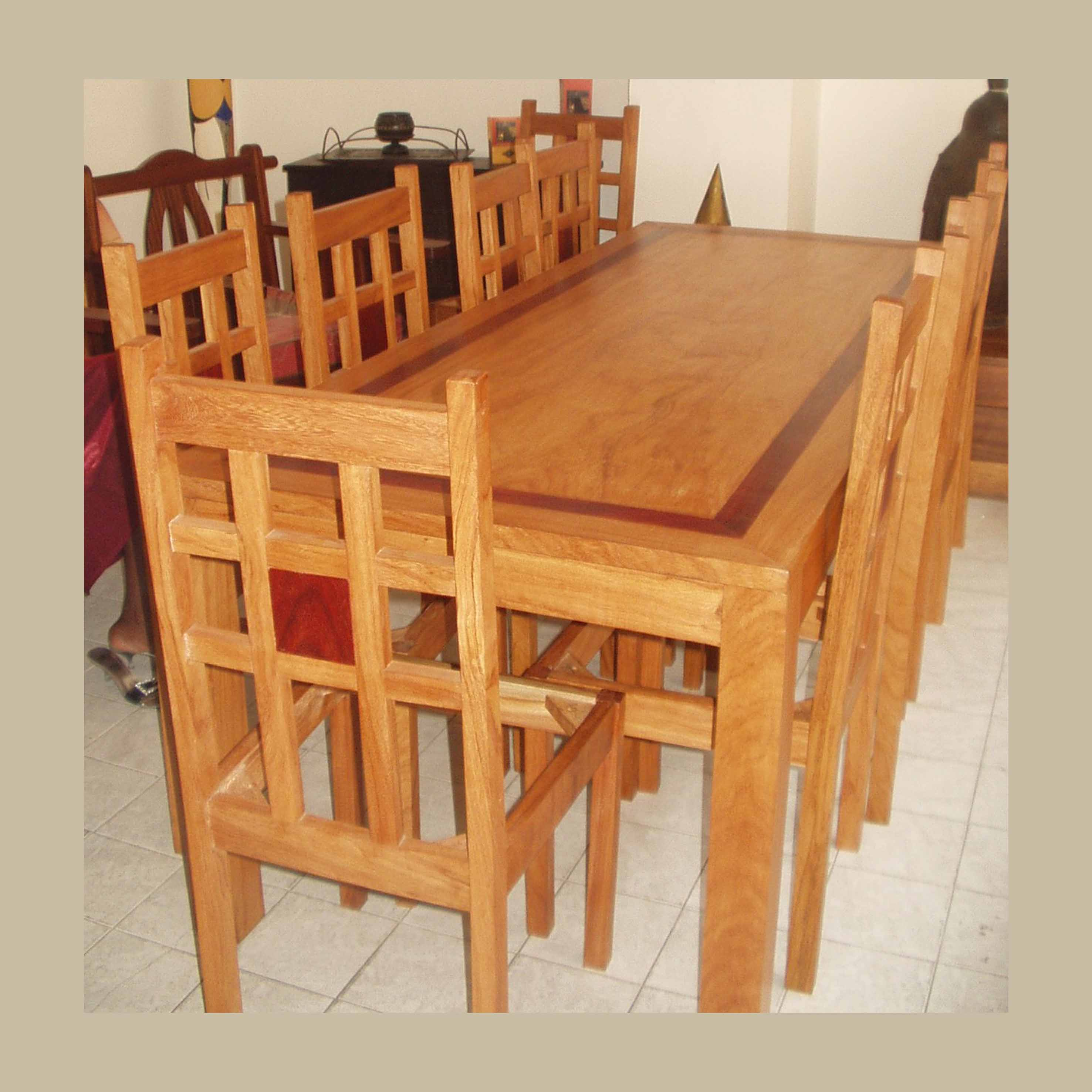 table et chaises ouaga en bété et padouk