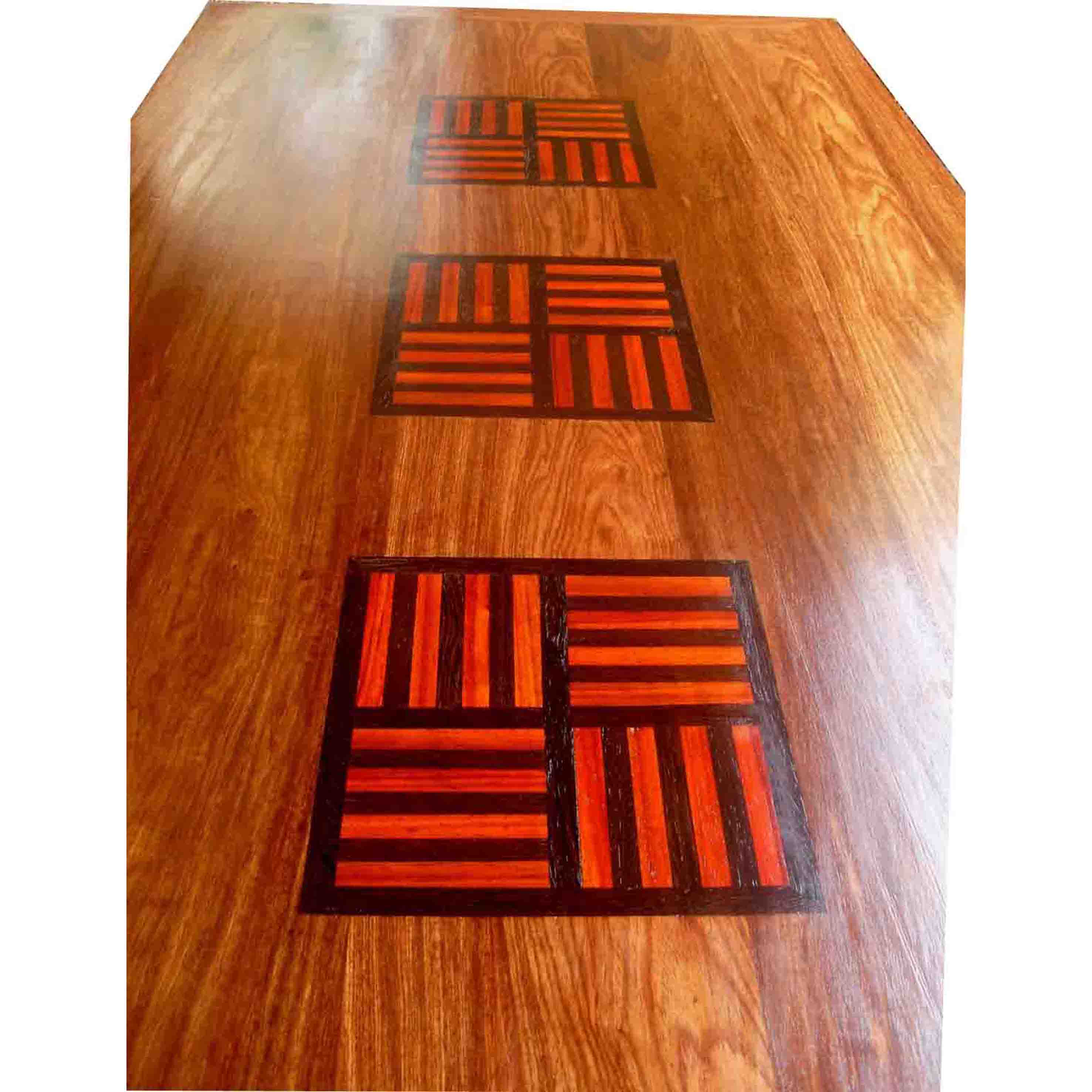 table marie paule en bois de veine et motifs baoulé multibois