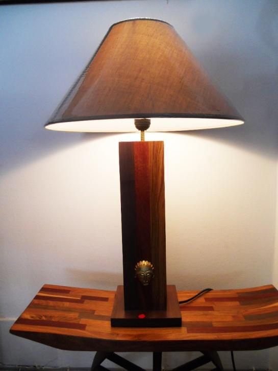 lampe 3 bois avec masque bronze